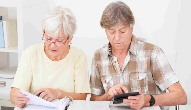 Где взять кредит пенсионеру?